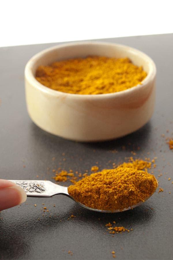 Curry Powder Recipe - Madras Curry Spice Mix #stepbystep #recipe masalaherb.com