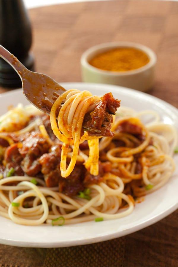 Spaghetti with Currywurst Sauce for #Sundaysupper #stepbystep #recipe masalaherb.com