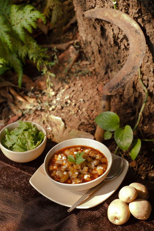 Potato Goulash - One pot vegetarian spiced soup #stepbystep #recipe masalaherb.com