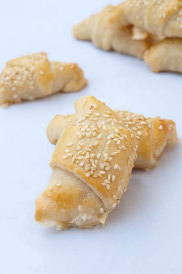 Ham and Cheese Crescents for #Sundaysupper #stepbystep #recipe masalaherb.com