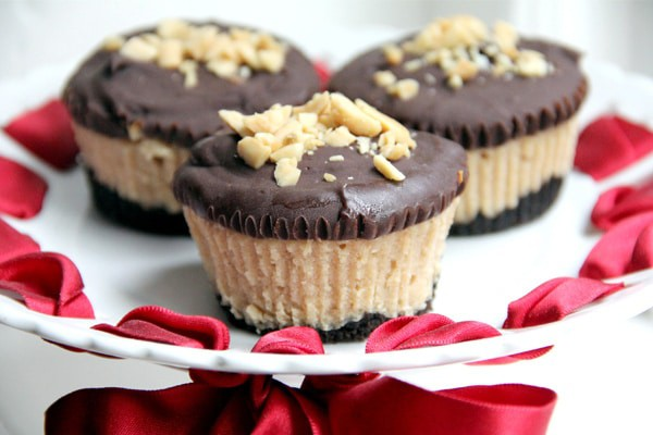 Mini-Buckeye-Cheesecakes