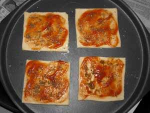 Mini Pizza Recipe with Goan Sausage Choriz masalaherb.com #stepbystep @masalaherb
