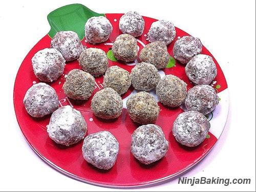 Saketini Christmas Balls