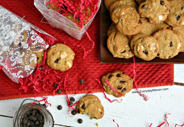 {Triple}-Coconut-Chocolate-Chip-Cookies