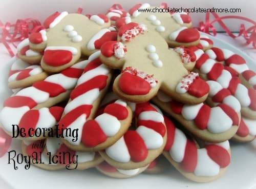 decorating coockies with royal icing