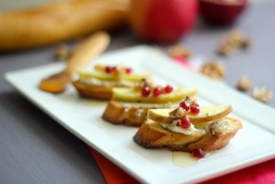 Apples, Honey and Goat Cheese Crostini