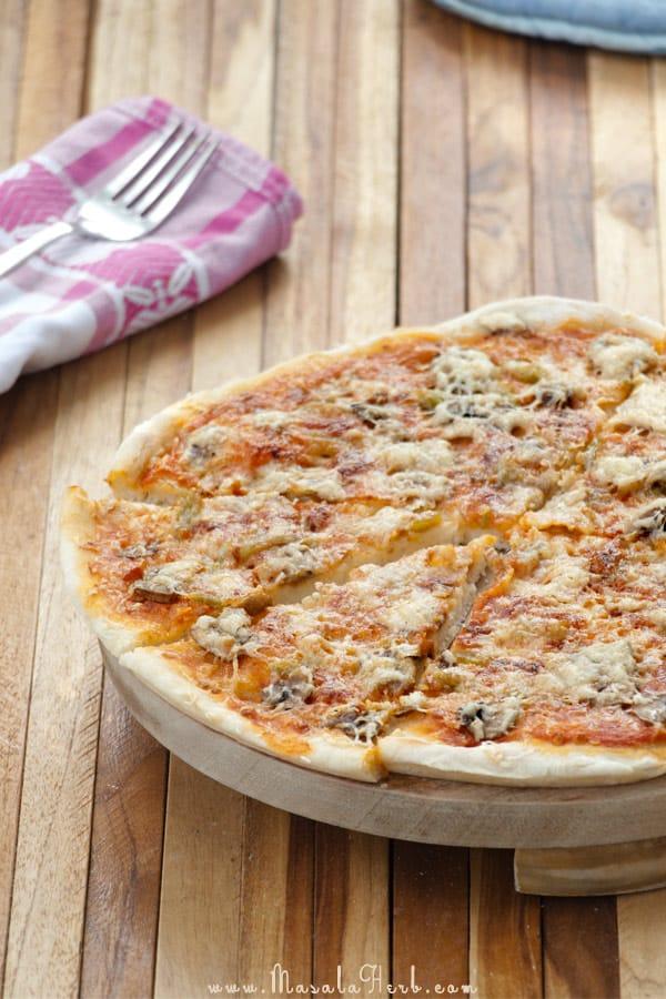Spicy Vegetarian Mushroom Pizza masalaherb.com