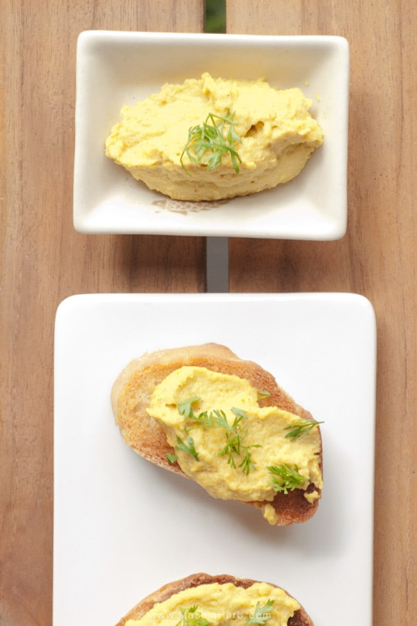 Spicy Avocado Crostini Bites - Quick & Easy Healthy Vegan Gluten-free Appetizer and savory Snack time treat masalaherb.com
