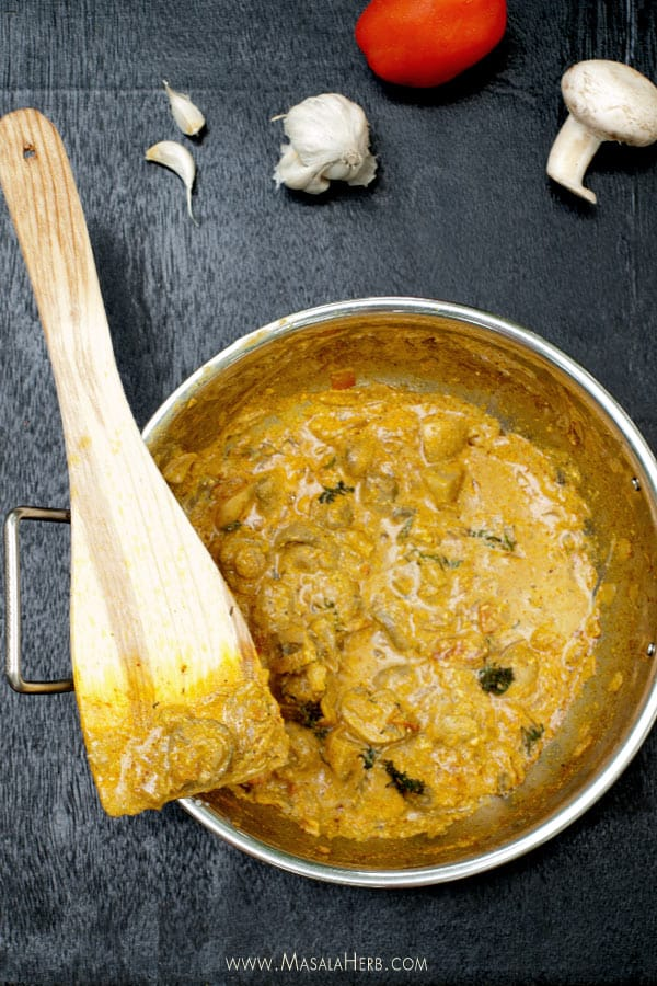 Mushroom Masala Recipe - One Pot Mushroom Curry Spiced Gravy [Nut Free, Gluten Free, Vegetarian] www.masalaherb.com #recipe #Indian Recipe www.masalaherb.com #recipe #Indian