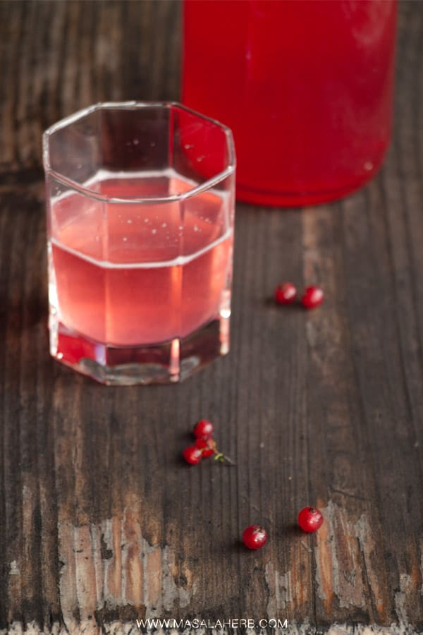 Red Currant Cordial Recipe - How to make Red Currant Syrup [no cooking!] without much effort easily at home www.masalaherb.com