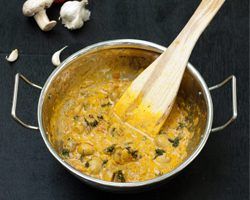 Mushroom Masala Recipe - One Pot Mushroom Curry Spiced Gravy [Nut Free, Gluten Free, Vegetarian] www.masalaherb.com #recipe #Indian
