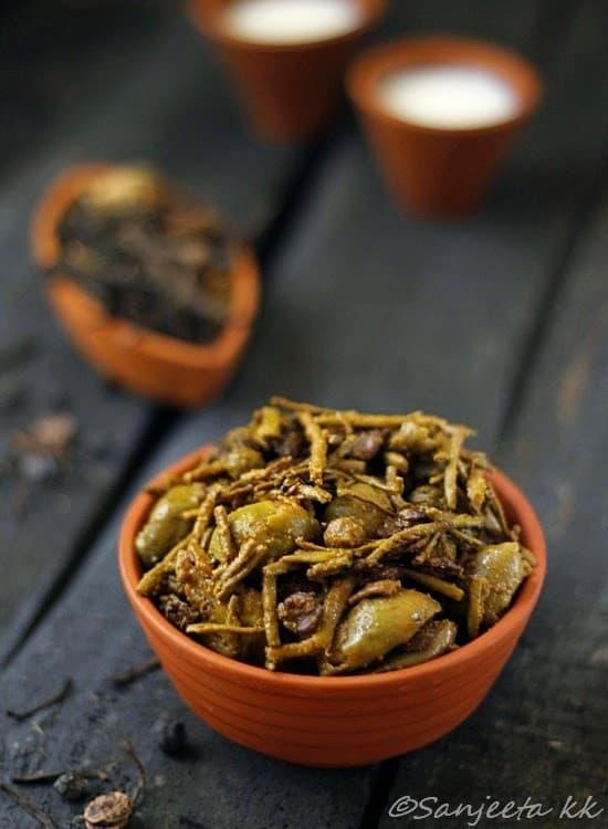 dried-wild-berries-and-bean-stir-fry-or-panchkuta-ki-subji-litebite