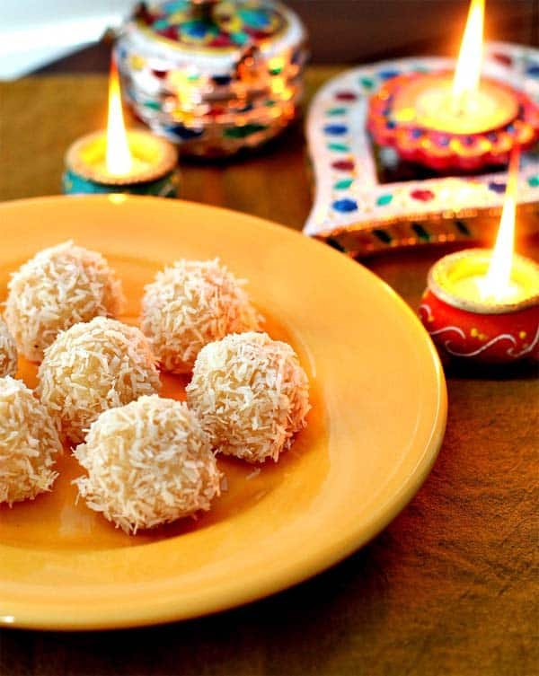 easy-coconut-cardamom-balls-coconut-laddoo-sonisfood