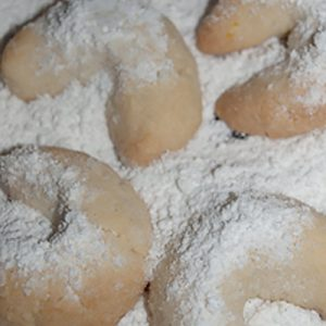 coating cookies with vanilla sugar
