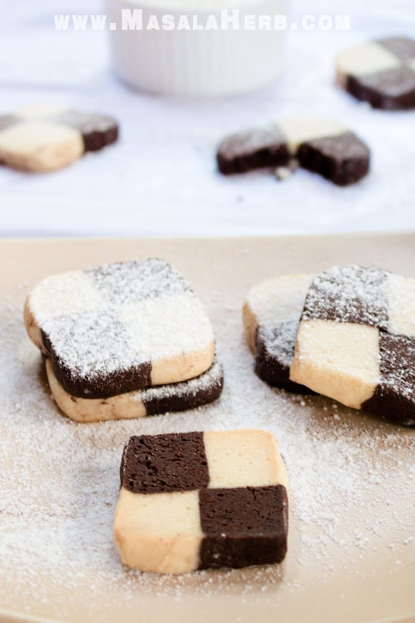 Easy Checkerboard Cookies - German Recipe step by step [+Video] made from scratch with the easy to understand instructions. Checkerboard cookies are also known as black and white cookies, Schwarz-weiß-gebäck in german. www.MasalaHerb.com #cookies #blackandwhite #checkered #masalaherb