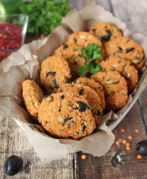 """+17 Indian Lentil Recipes - Collection of Easy Dal Dishes [Healthy] Baked Olive Lentil Fritters aka """"Dal Vada"""""""