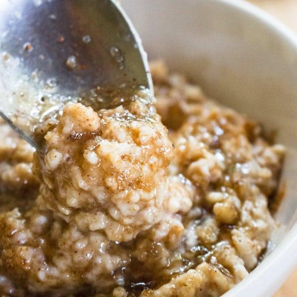 5 min Brown Sugar Oatmeal Porridge [+Video]