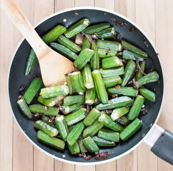 10 minute Pan Fried Okra Recipe [+Video]