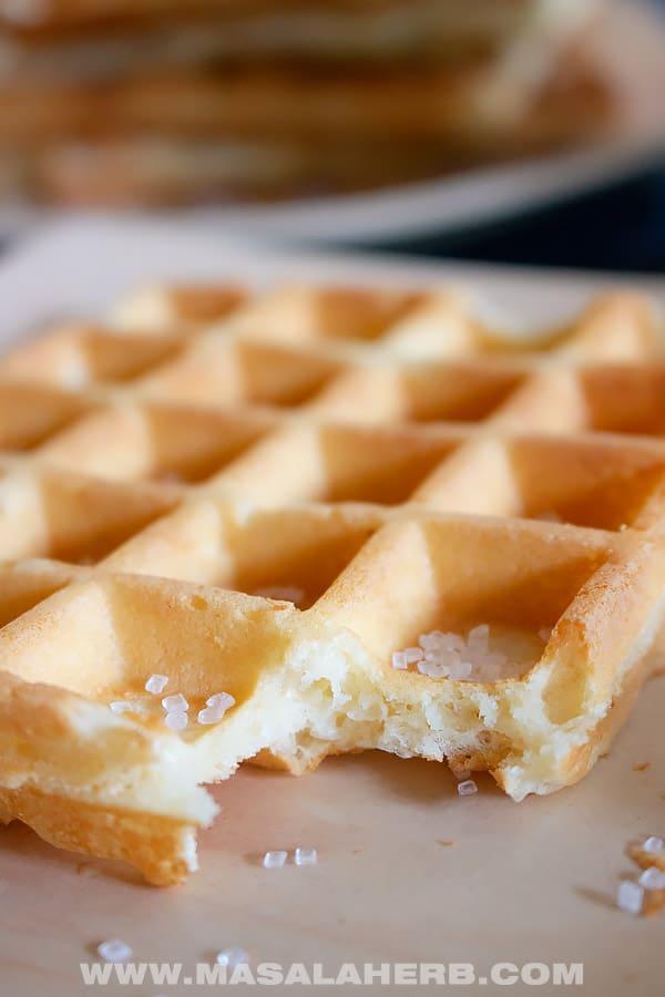 Fluffy Waffle Recipe [+Crispy]