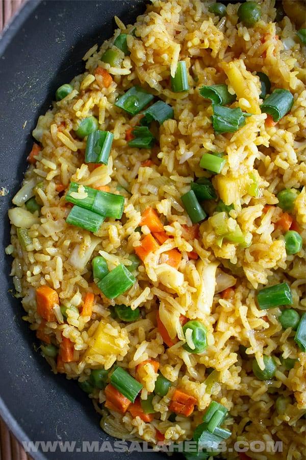 Thai Pineapple Fried Rice Recipe [Vegetarian]