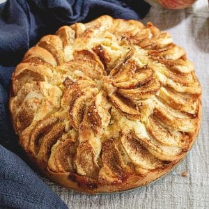 Easy German Apple Cake Recipe – Apfelkuchen
