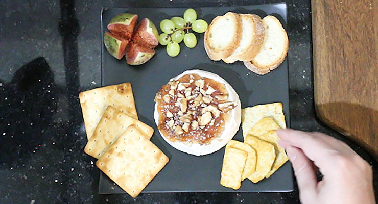 arrange brie with dippers