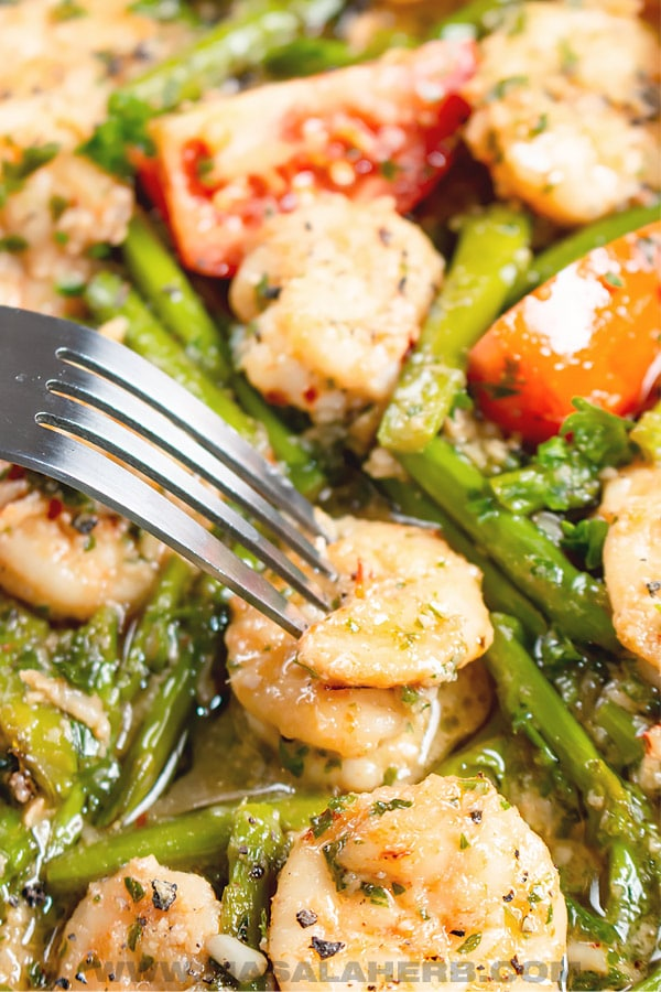 Shrimp Scampi with Asparagus and Tomato