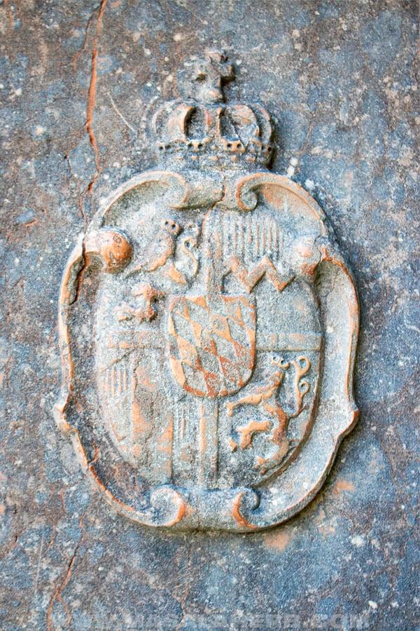 mysterious emblem st.bartholomä