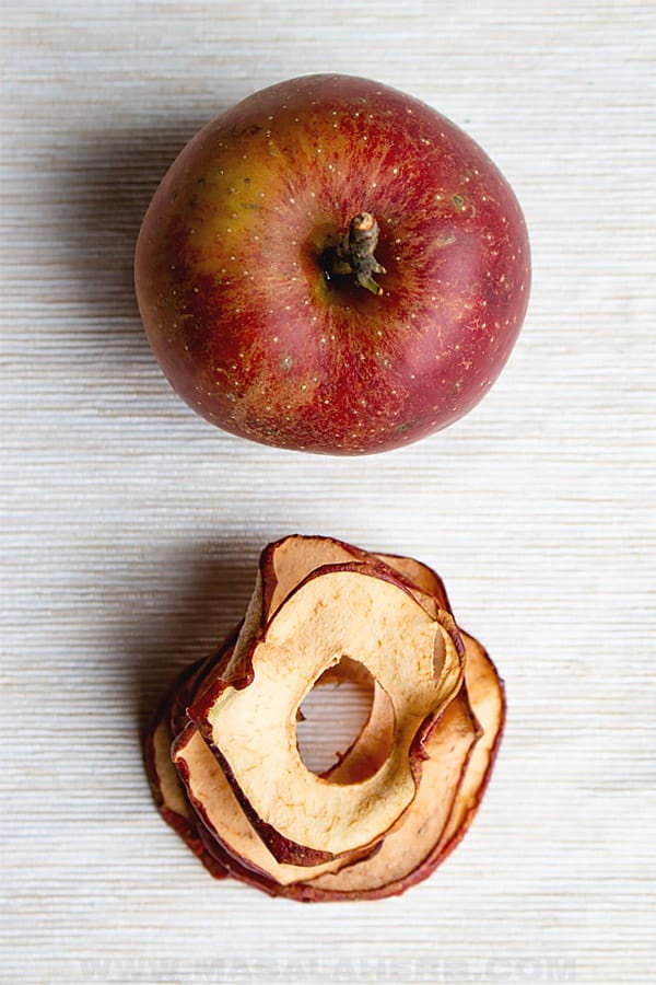 dried apple rings with skin