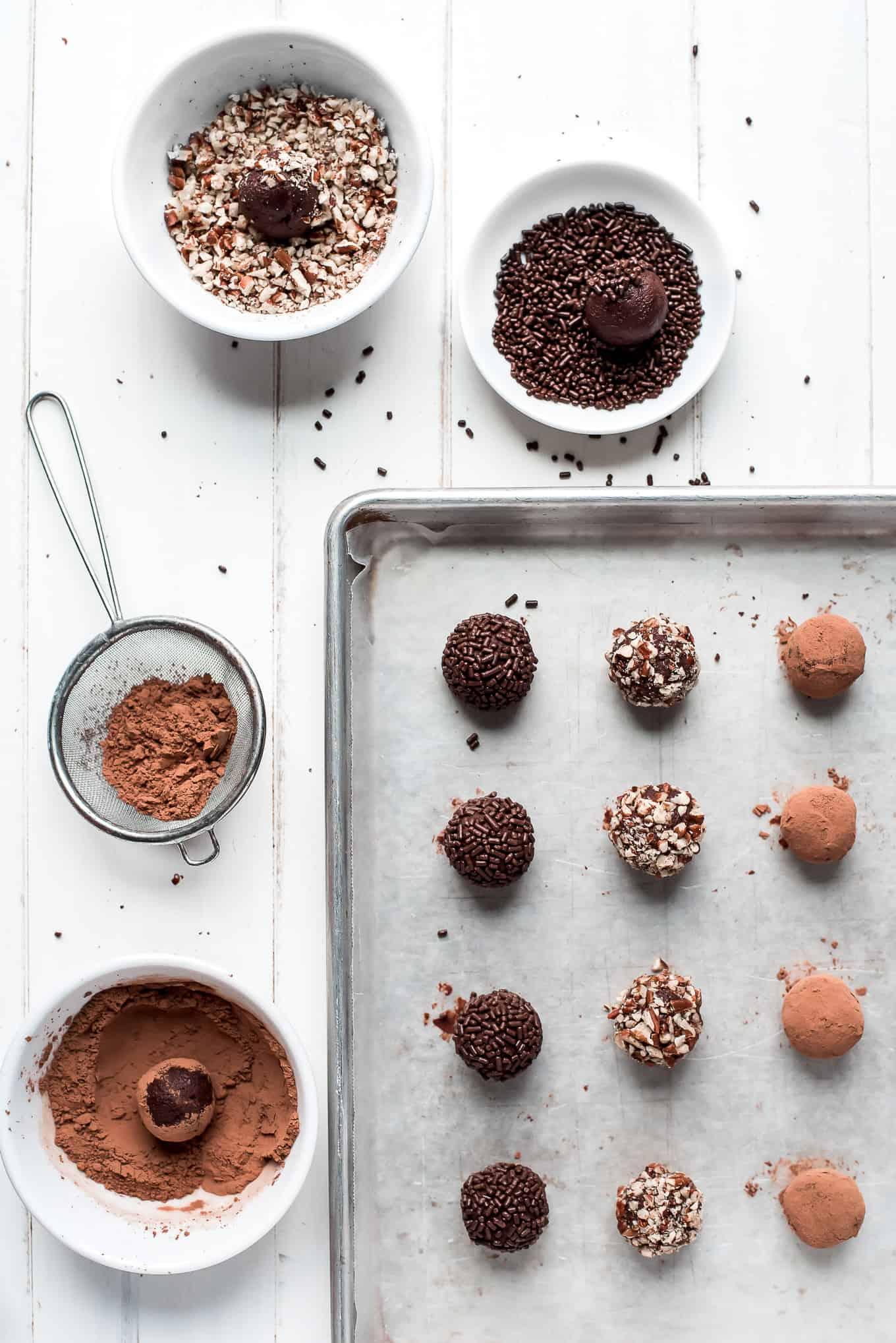 4-Ingredient Chocolate Truffles
