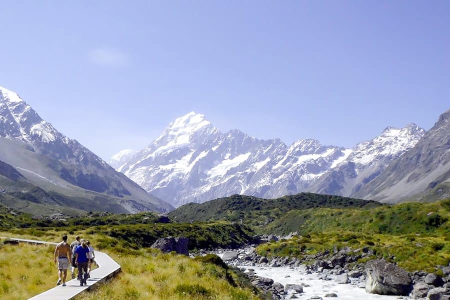 mountains to trek himalaya view