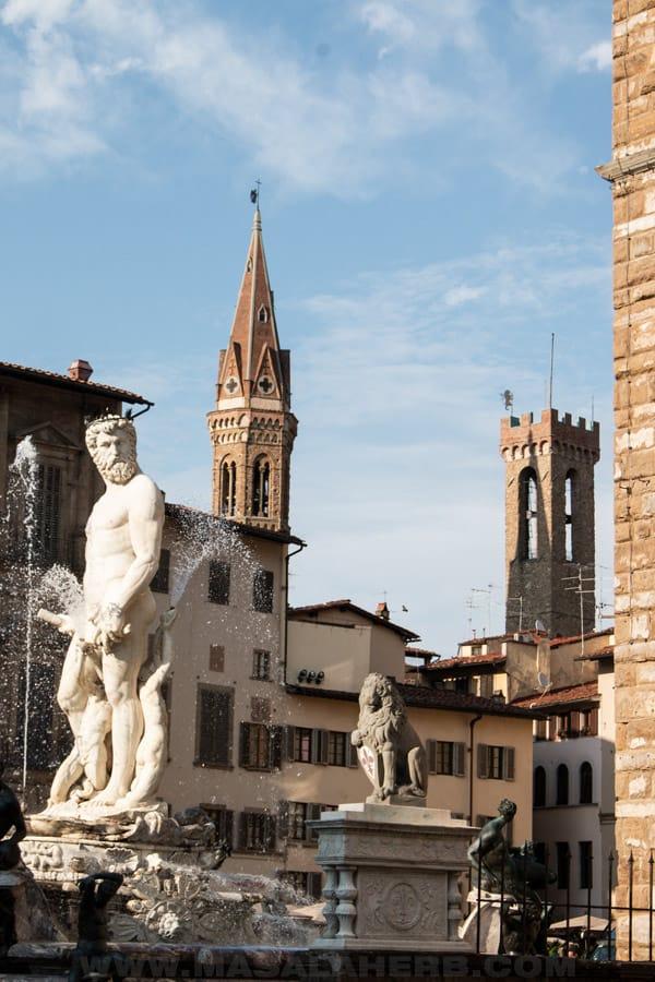 Fountain of Neptune, view from the Piazza della Signoria