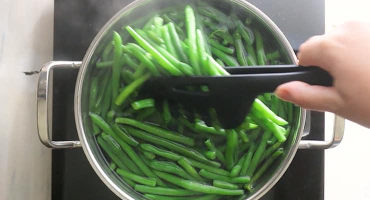 blanch green beans