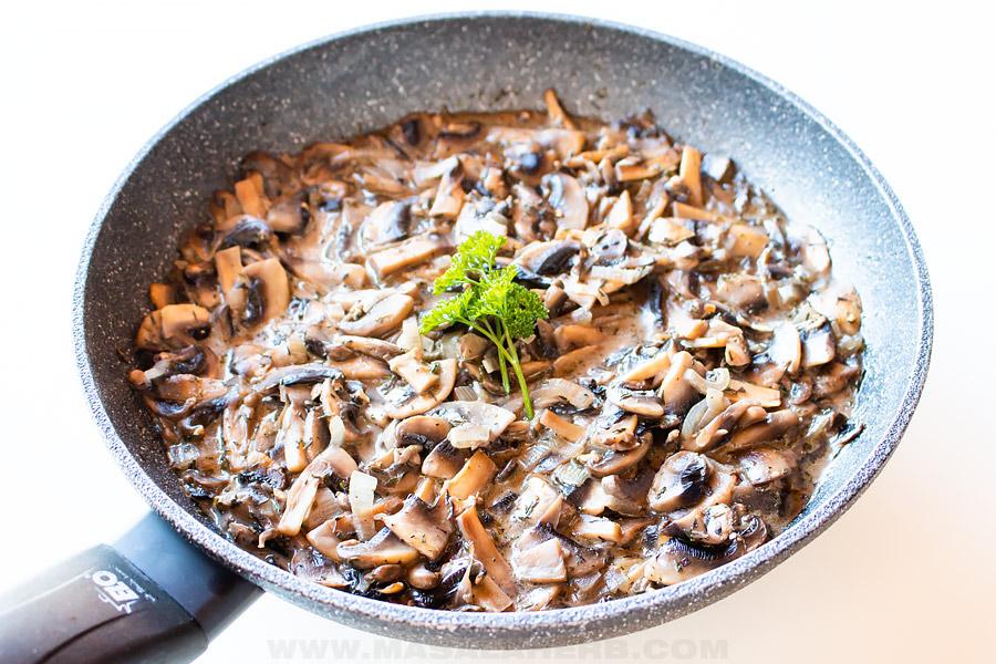 one pan sautéed mushrooms with cream
