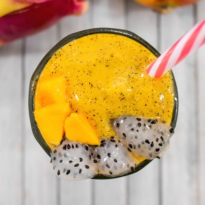 dragon fruit smoothie with mango in a glass