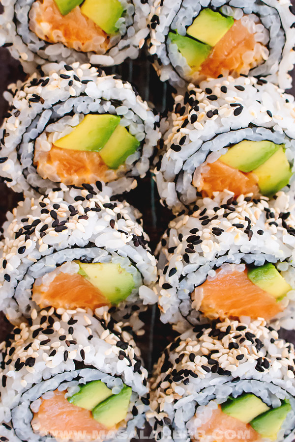 inside out salmon sushi roll