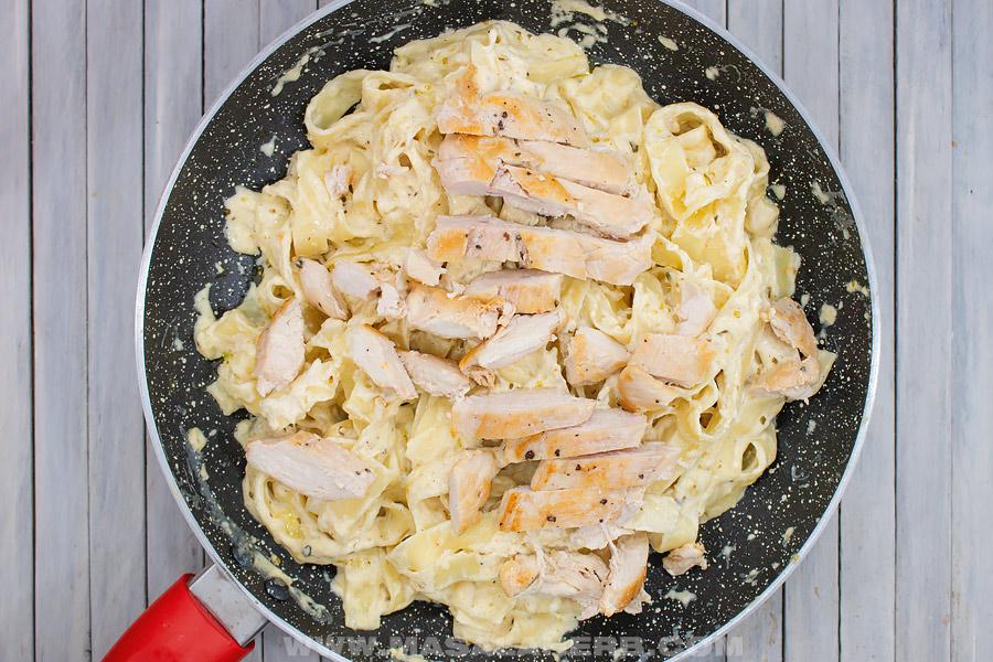 Chicken Alfredo Fettuccine