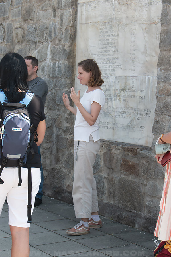 group guide in German Mauthausen