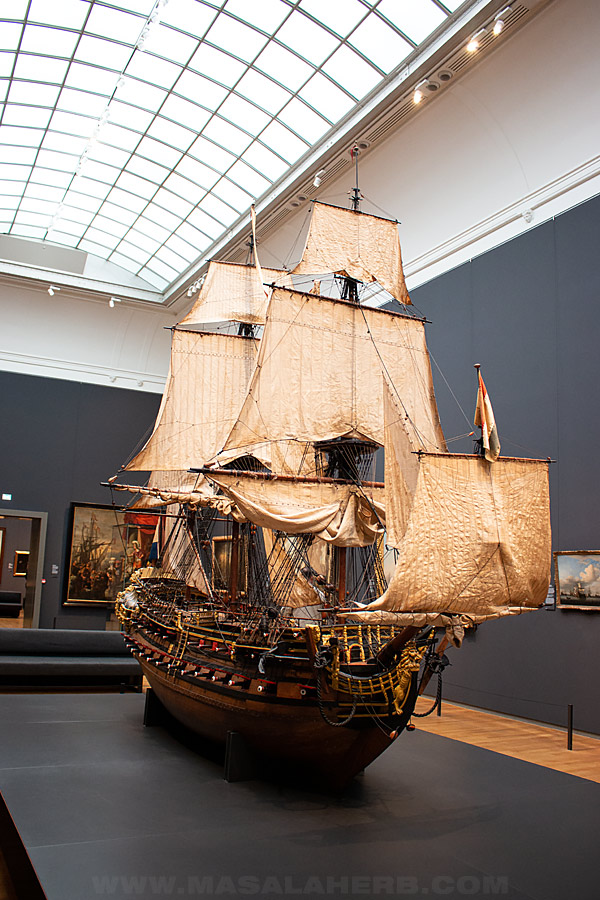 model ship from the rijksmuseum