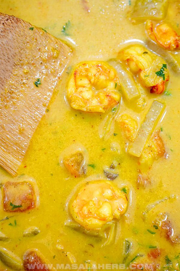 yellow shrimp curry