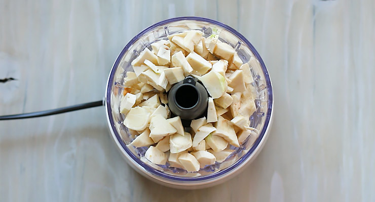 place horseradish with seasoning in a food processor